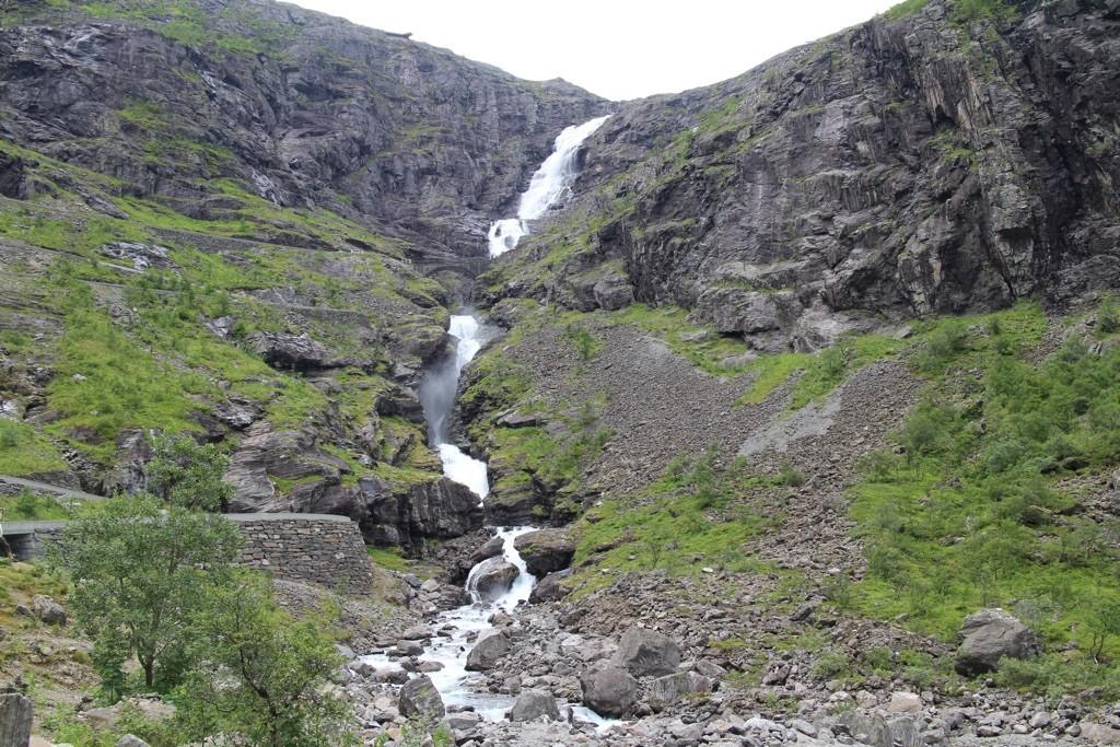 150816 Trollstigen nedenfra